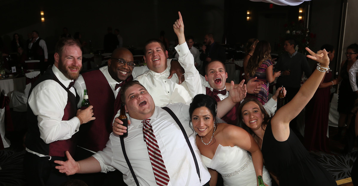 Pittsburgh wedding DJs Greentree Doubletree